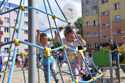Plac zabaw przy ul. Staffa otwarty