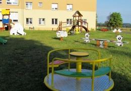 Plac zabaw przy Szkole i Przedszkolu nr 3