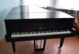 Fortepian z Lubskiego Ogniska Muzycznego