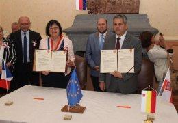 Podpisanie umowy partnerskiej z Masny (Francja)