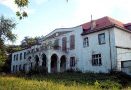 Der Palast in Dluzek