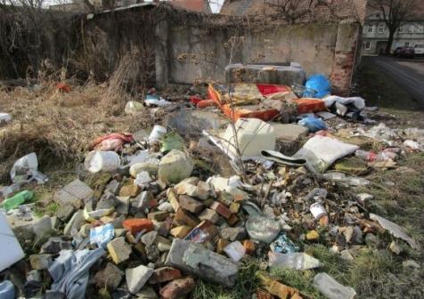 śmieci dzikie wysypiska